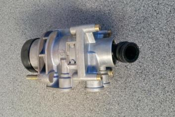 Haldex Foot Brake Valve 320 060 111